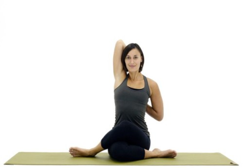 yoga-benh-gan-4