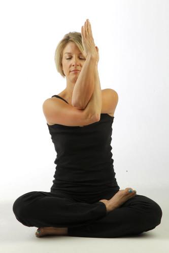 yoga-nhuc-dau-2
