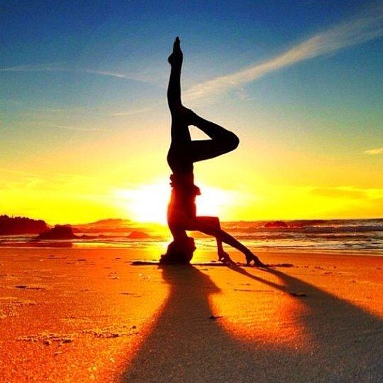 yoga-silhouette-253